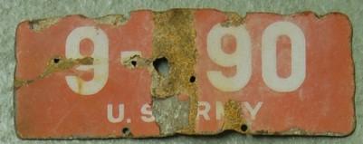 Altes US Army in Germany Nummernschild aus der Kriegszeit.
