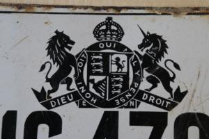 Altes emailliertes Schild eines Londoner Taxis